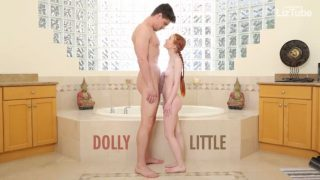 Abuse me – A ruiva adolescente Dolly Little está arrasada vídeo pornô grátis