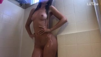 Real Porn Perfect Body Babe Squirting Shower Porn
